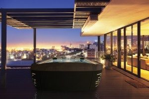 How To Select The Perfect Hot Tub For Your Balcony?