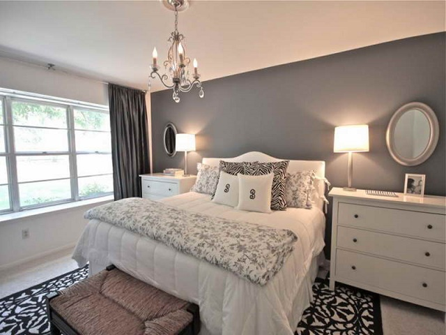 light and curtains in bedroom